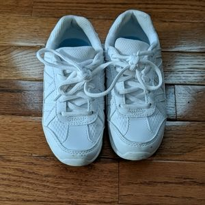 Youth cheer shoes